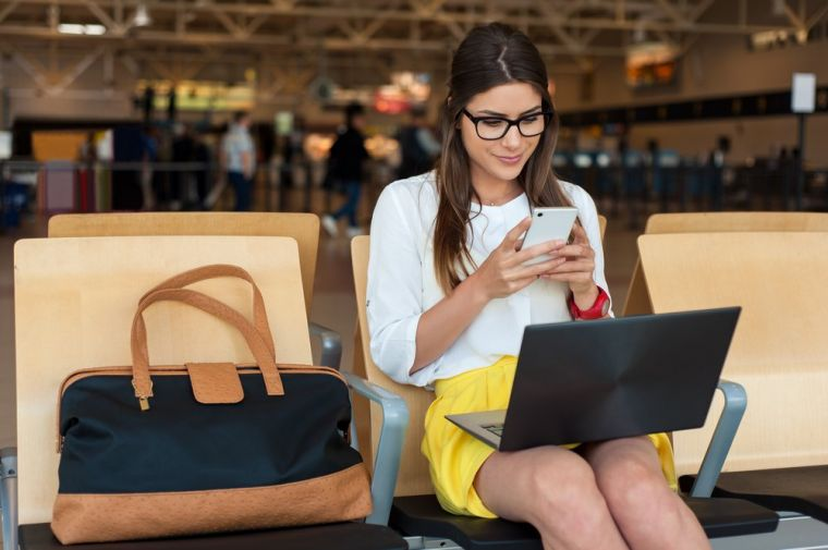 jak-bezpiecznie-i-wygodnie-podrozowac-z-laptopem-–-czyli-torby-i-plecaki-na-laptopa1.jpg