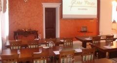 """Sala konferencyjna na 15 osób, Mieścisko, w obiekcie Dworek """"Róża Poraja"""""""