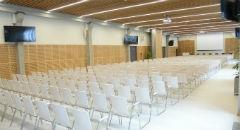 Sala konferencyjna na 450 osób, Raszyn, w obiekcie Centrum Konferencyjno-Wystawiennicze (CKW) Instytutu Badawczego Leśnictwa